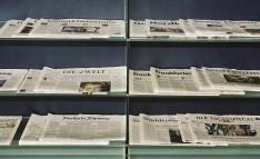Zeitungen ausgelegt