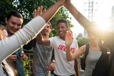 Junge Menschen verschiedener Herkunftsländer