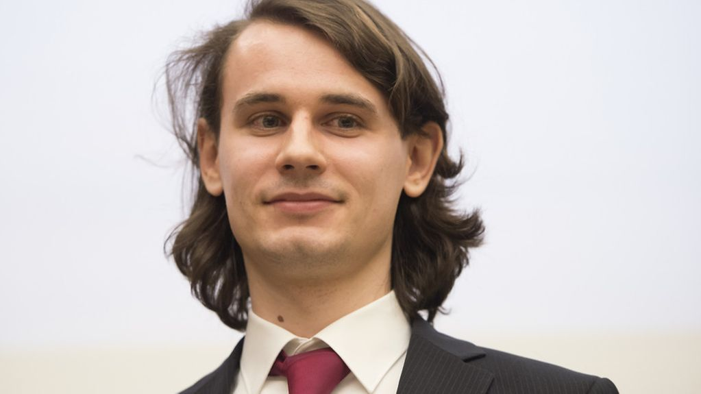 Photograph of Peter Scholze, of the Mathematical Institute of the University of Bonn, taken on 1 March 2016 following the award of the Gottfried Wilhelm Leibniz Prize
