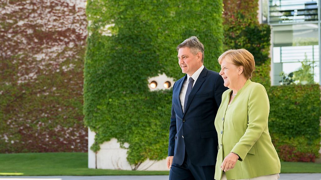 Chancellor Angela Merkel and Denis Zvizdić, Chairman of the Council of Ministers of Bosnia and Herzegovina