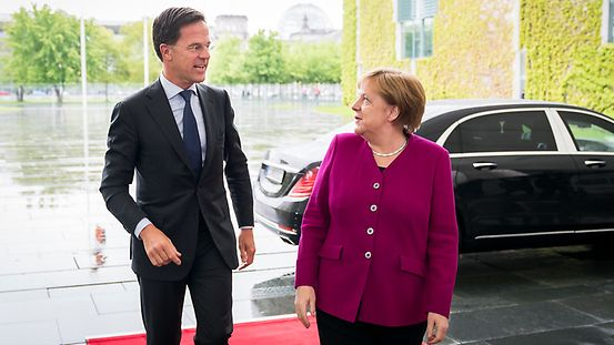 Chancellor Angela Merkel greets Mark Rutte, Prime Minister of the Netherlands, at the Federal Chancellery