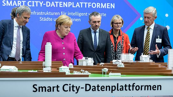 Chancellor Angela Merkel at a Smart City exhibit