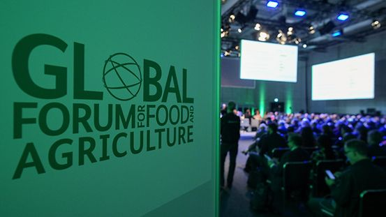Plakat vom Global Forum for Food ans Agriculture
