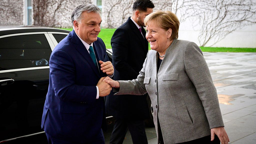 Chancellor Angela Merkel met with Hungary's Prime Minister Viktor Orbán for talks at the Federal Chancellery.
