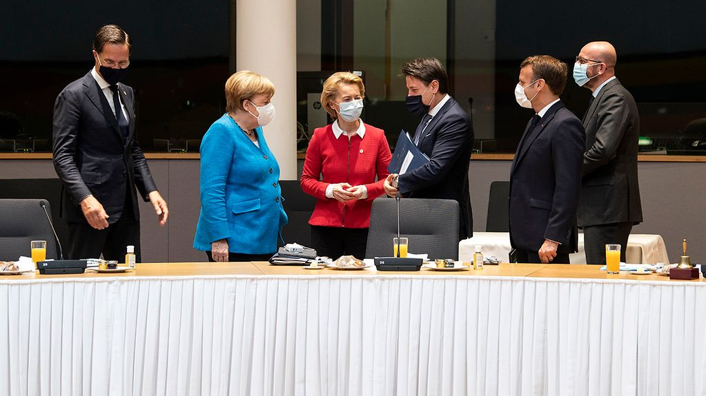 Chancellor Angela Merkel in discussion with Dutch Prime Minister Mark Rutte, Commission President Ursula von der Leyen, Italian Prime Minister Giuseppe Conte, French President Emmanuel Macron and Council President Charles Michel