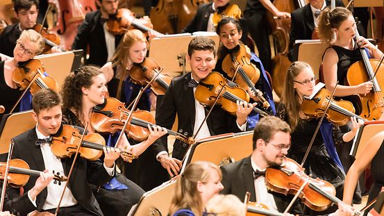 Many voices form a sound: the youth orchestra of the European Union.