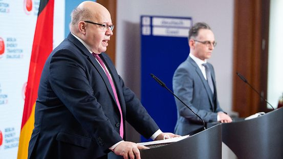 "Bundesenergieminister Peter Altmaier und Außenminister Heiko Maas äußern sich bei einem Pressestatement zum Start der internationalen Energiewende-Konferenz ""Berlin Energy Transition Dialogue"" im Auswärtigen Amt."