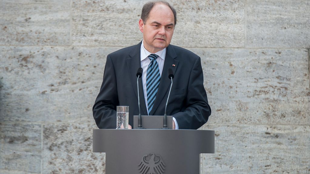 Federal Agriculture Minister Christian Schmidt speaks at a commemorative ceremony in the former prison at Berlin- Plötzensee.