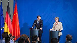 Chancellor Angela Merkel and Chinese Prime Minister Li Keqiang at the press conference