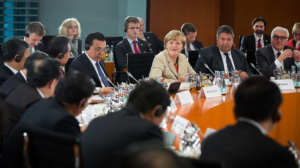 Chancellor Angela Merkel and Chinese Prime Minister Li Keqiang during the Sino-German government consultations