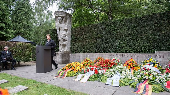 Federal Economic Affairs Minister Brigitte Zypries at the ceremony to commemorate the victims of 17 June 1953 in Berlin