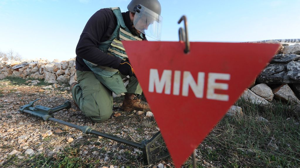 16.02.2014., Drnis, Croatia - Members of AKD Mungos (Mongoose) demined an area of 315,000 square meters of mine suspected areas around Drnis. Minenräumer