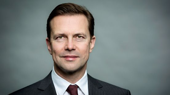 Steffen Seibert is the head of the Press- and Information Office as well as government spokesperson.