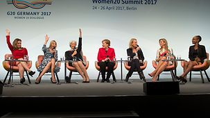 "Bundeskanzlerin Angela Merkel beim einer Diskussion ""High Ranking Panel"" Woman20 Summit"