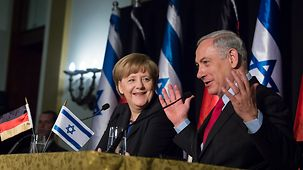 Chancellor Angela Merkel and Israel's Prime Minister Benjamin Netanjahu at the final press conference