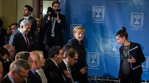 Chancelllor Angela Merkel and Israel's Prime Minister Benjamin Netanjahu arriving at the final press conference